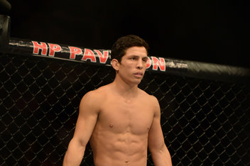 MMA: UFC on FOX 7-Benavidez vs Uyenoyama