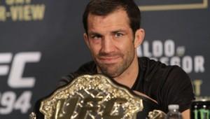 Luke-Rockhold-Belt-UFC-194-440x250